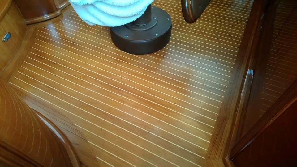 sol de bateau en tech