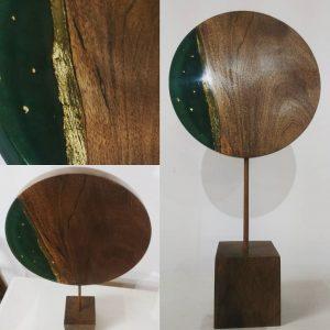 objet d'art en bois résine et or