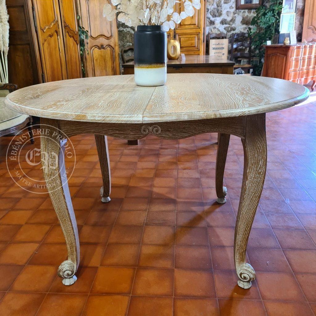 table louis XV ronde cerusée