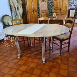 table Louis XV avec rallonge brute positionnée