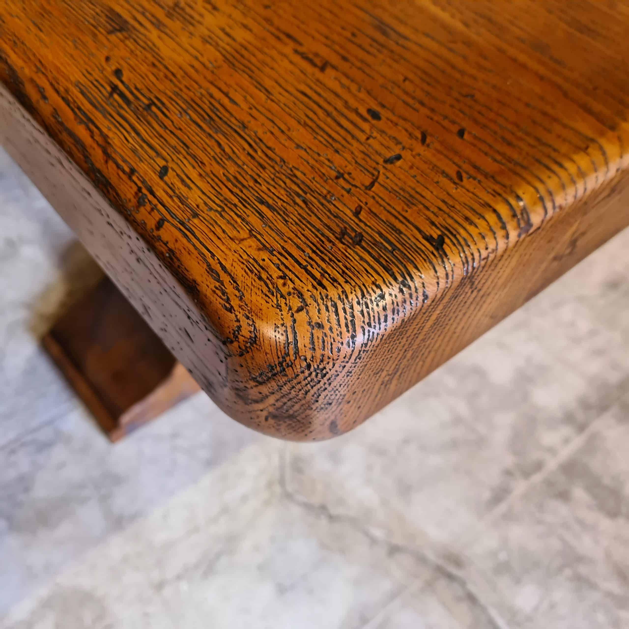 angle de table monastère adouci